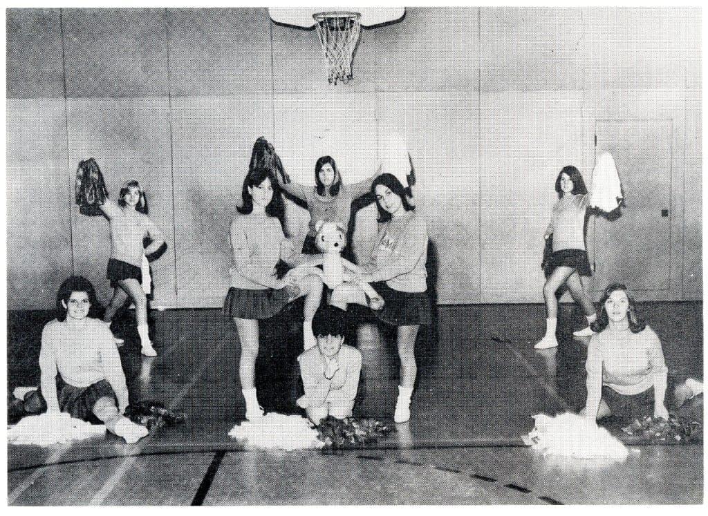 1965-66 cheerleaders004