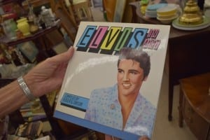 The Elvis book that I borrowed is Elvis in Art (1987) by Roger G. Taylor. Jaan Pill photo